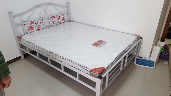 厂家库房出售双人床衣柜上下床沙发电视柜等家具