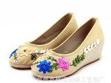 亚麻鞋垫老北京布鞋 丝带绣花鞋/中坡跟女鞋单鞋高跟鞋低帮鞋