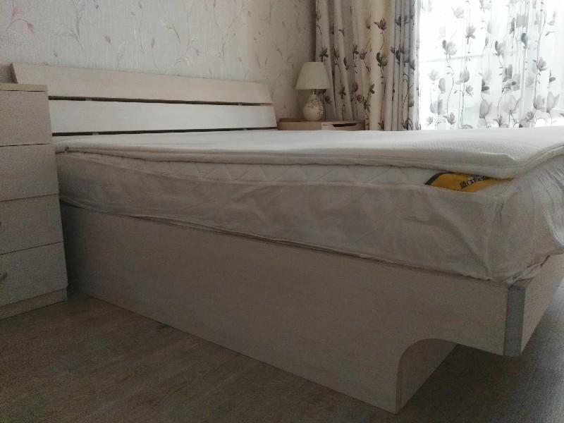 九成新曲美板式白枫色双人床液压杆升降