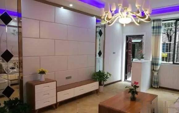 沙市区武德路小天鹅津泰园三室两厅 步梯1楼 精装修带家具