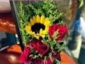承接各种节日庆典用花,鲜花花束,可送花上门