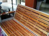 很结实的钢架实木沙发床便宜卖了