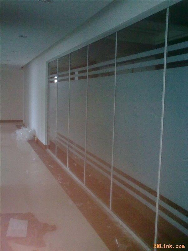 北京玻璃贴膜logo防撞条喷绘设计期待来电咨询