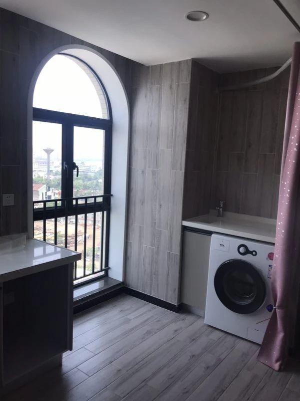 井岸黄杨明月轩 电梯精装公寓 家私电齐全 租1200黄杨明月轩