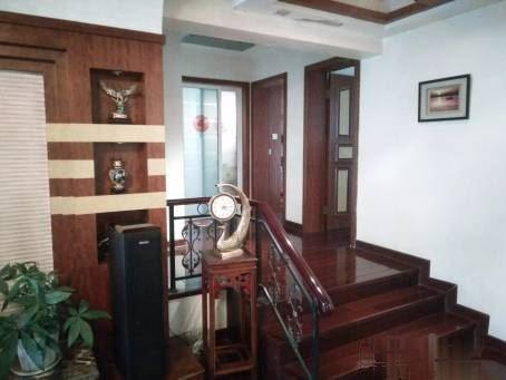 江汉北路富怡雅苑三 室二厅二卫豪华装修 拎包入住