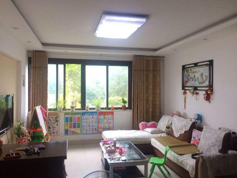 清水湾113平大三房 精装修 130万 随时看房