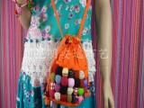 大量提供民族布艺品 七彩球球斜跨包 女式精品包 包包