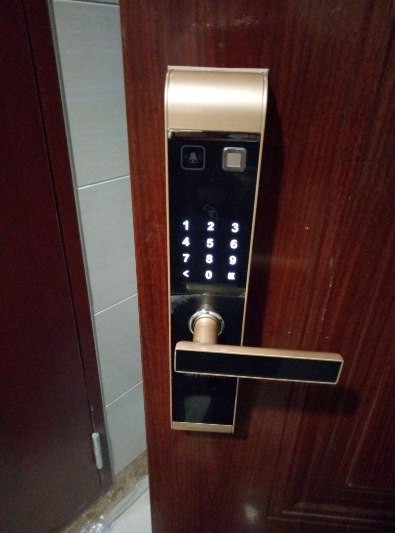 成都武侯区专业安装指纹锁 专业承接淘宝天猫京东各种型号指纹锁
