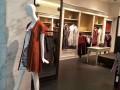服装店加盟哪个品牌比较好?芝麻E柜加盟店,零库存,免费铺货