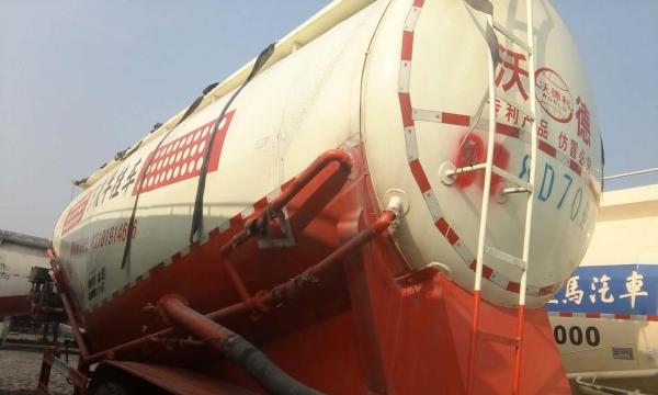 水泥罐车梁山通亚罐长期收售二手水泥罐车以旧换新