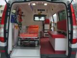 青岛救护车跨省转院,配备医护人员