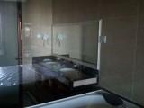 杨家坪西城天街万象城 玻璃镜子门窗安装