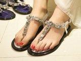 14夏韩版新款时尚爆美超闪水钻一字式扣夹脚平底罗马风女凉鞋批发