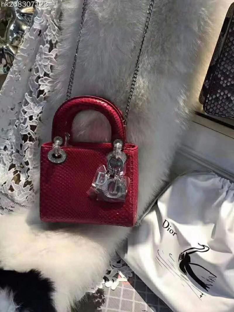 广州高仿奢侈品女包原单女包一条街哪里有