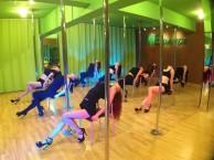 成都钢管舞爵士舞培训学校 全日制学习 终身免费进修