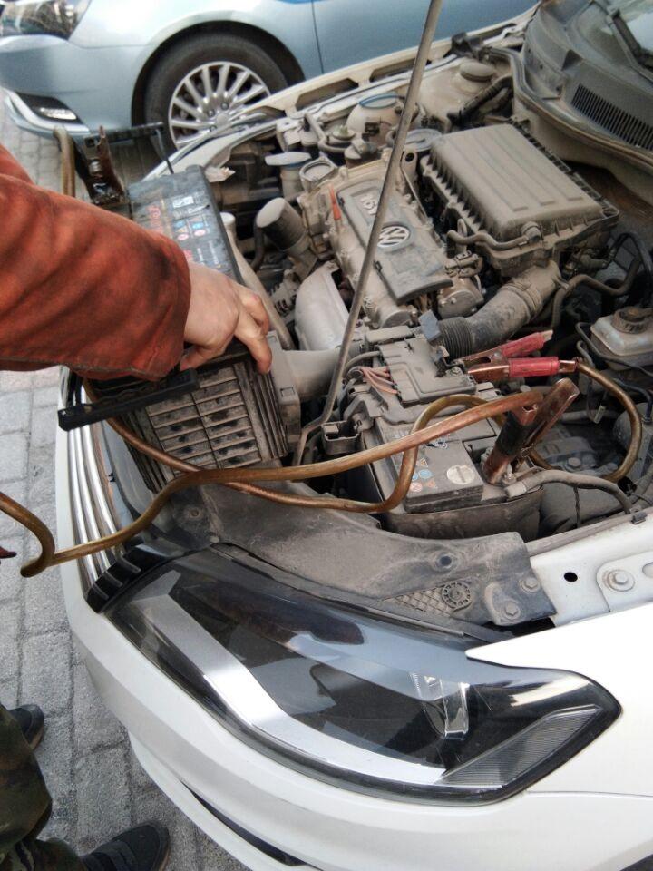昌平汽车救援换胎补胎搭电油路电路刹车离合器送油送水空调加佛