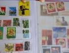 出售一本80年集邮册(内含百余邮票)