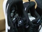 超轻耐克运动鞋
