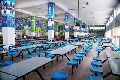 在沧州学汽车美容贴膜哪个技校学校好学费多少学多久有快速班吗