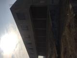 建筑面积1385平方米,空地2500平方米