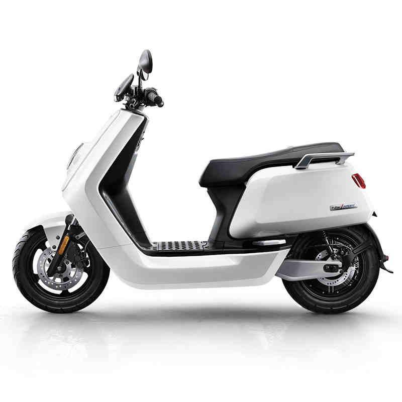 昆明小牛电动车N1S城市版60v锂电池代步小电瓶电动摩托车