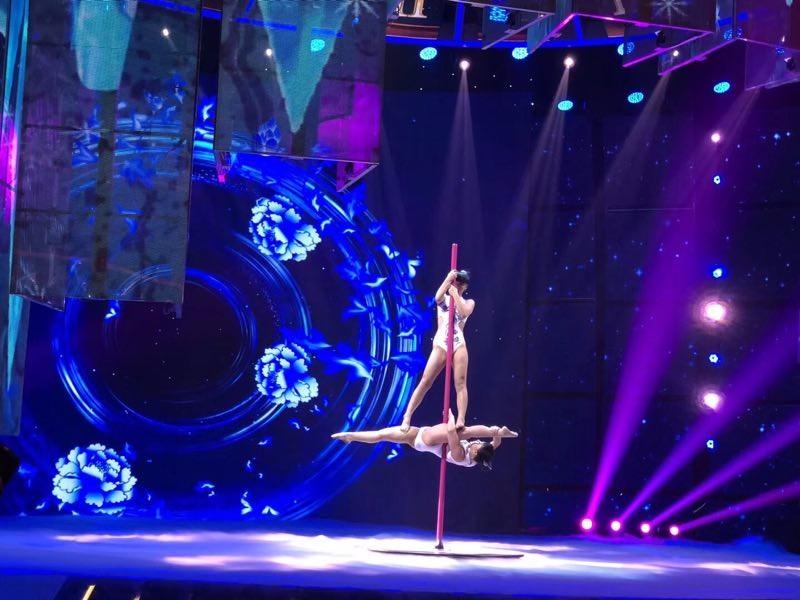 北京DJ设备出租,钢管舞出租钢管舞台出租,舞美搭建