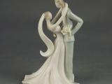 欧式家居陶瓷工艺品情侣人物 摆件 结婚礼品新郎新郎甜蜜幸福摆件