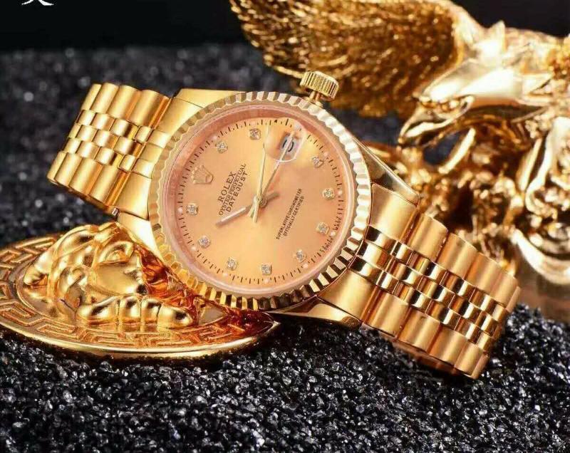 广州高仿名牌手表精仿奢侈品服装货源批发