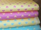 全棉斜纹印花布 宝宝家纺面料 卡通宝宝心形4色入 满百包邮