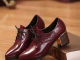 英伦风格尖头粗跟真皮女鞋大小码前系带高跟压花头层牛皮女单鞋