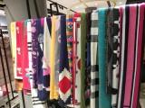 广州伊曼服饰,羊绒围巾,品牌服装尾货,批发尾货市场 品牌折扣