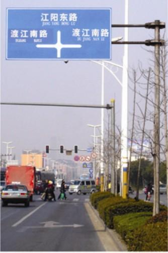 供应电子警察杆,监控杆,交通信号灯杆厂家厂家