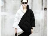2014冬新款潮女欧洲站明星同款黑白拼色中长款保暖正品羽绒服批发