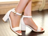 白色真皮粗跟高跟凉鞋大码鞋 小码鞋 32 33 YZH