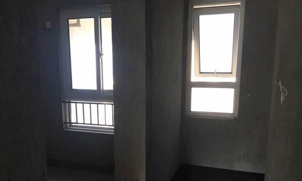 越城绍兴镜湖景瑞 3室2厅 93平米 毛坯 押一付三