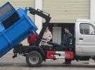 勾臂垃圾车低价转让1年2万公里3万