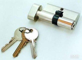曲江开锁公司开锁换锁换锁芯 快速上门