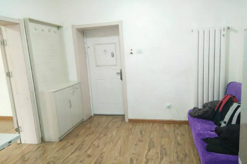 洋货轻轨站 吉庆里 精装一室 家电全齐 干净整洁 钥匙房