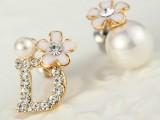 2014新款精品 韩版时尚 甜美镶钻D字 花朵珍珠不对称个性耳钉