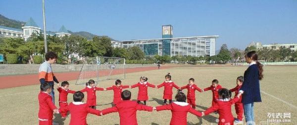 深圳市优质全托双语幼儿园富源学校幼儿部火热