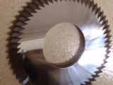 钨钢锯片的介绍及性能和特点-东莞三富锯片修磨