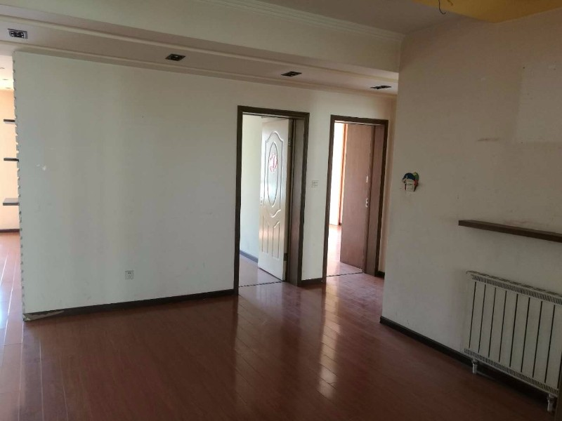 中泰华庭 3室 2厅 142平米 整租(价格可商量)
