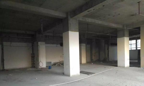 海淀区北三环外1800平米5元直租商业产权