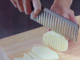 外贸产品TV 多功能不锈钢波纹刀土豆切条器 波浪土豆刀厨房小工具