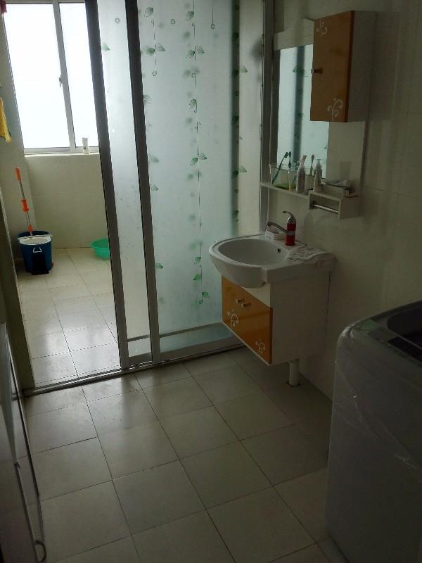 石臼 兰天海景国际 2室 2厅 97平米 整租