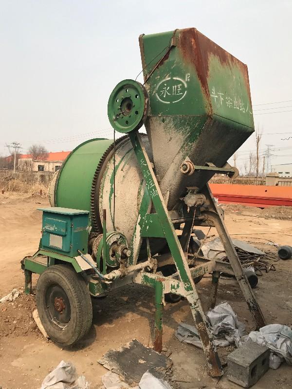 出售水泥搅拌机9成新用过一次