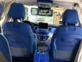 稀有的宝蓝色v260改装商务房车
