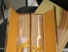 钛金美发梳子一套2把,高大上。低价出售,识货的发型