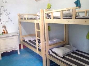 武昌旧办公家具回收武昌高低床上下铺回收家具电器空调回收
