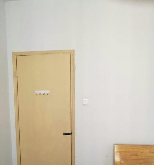 凤凰之家 1室1厅1卫 限男生